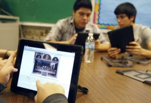 Students Still Don't Interact with Digital as Effectively as Print