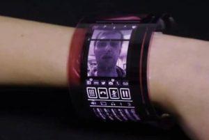 Plastic Logic debuts Flexible Screen Technology for Wearables