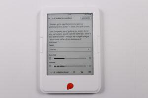 Unboxing the brand new Storytel e-reader