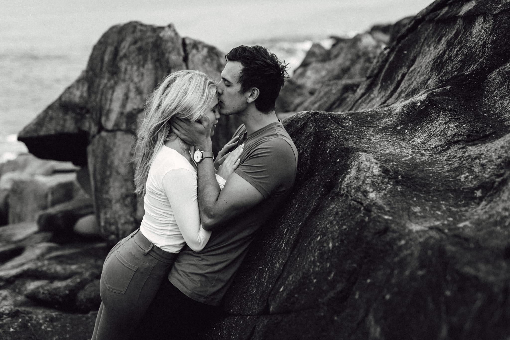 https://goodereader.com/blog/uploads/images/Romance-BW01-BA-1.jpg