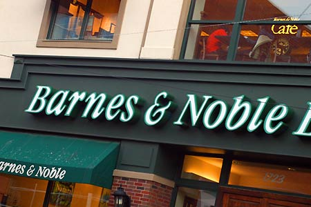 barnes_and_noble_storefront