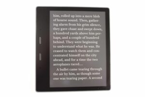 Here is the New Kindle Oasis Invert Black and White Feature