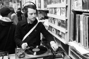 HarperCollins is releasing new audiobooks on Vinyl
