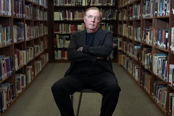 la-et-jc-james-patterson-to-give-1-million-to--001