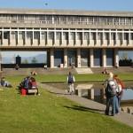 Shop e-Readers Strikes a deal with Simon Fraser University