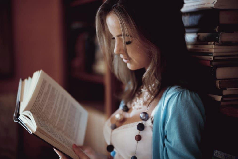 Australian Teens Prefer Print, Not E-Books-7784