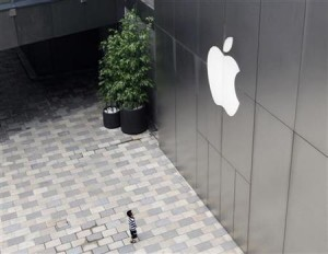 rp_145204-to-match-reuters-life-china-apple-fake.jpg