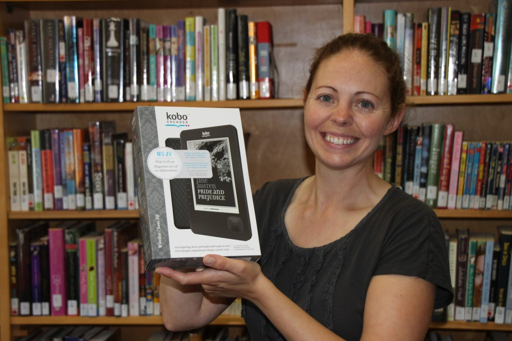 2011-10-02-11-14-27-Library director Erin Comeau with Kobo eReader