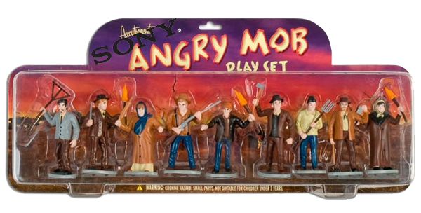 Angry-Mob-Playset_2480-l