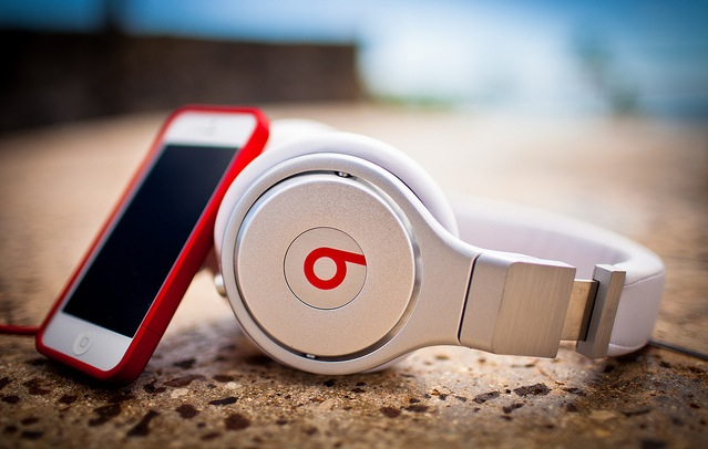 Beats_by_Dre_iPhone_MJ_Rodriguez-Photography