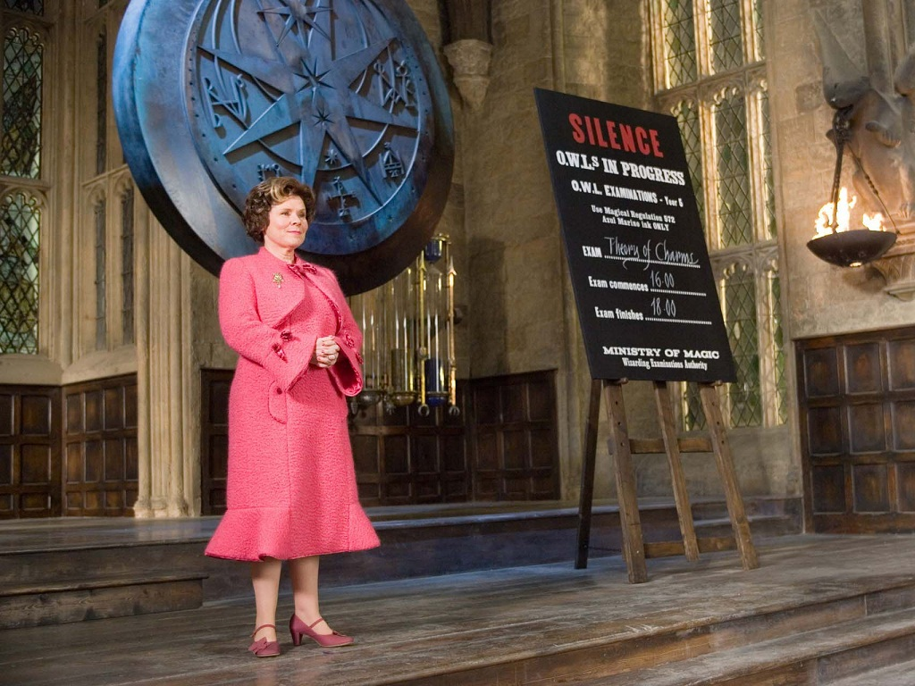 Dolores-Umbridge-Wallpaper-hogwarts-professors-32797030-1024-768