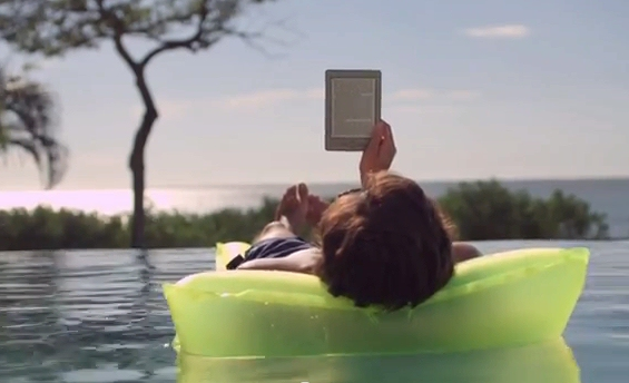 Kindle-on-beach-mattress