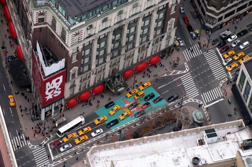 NY_Broadway_m_2005