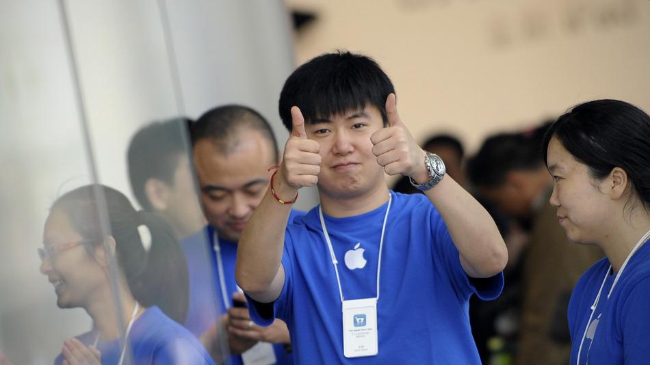 apple-china-thumbs-up