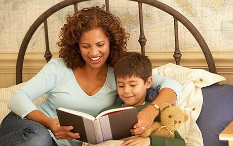 kids-ebooks-in-bed