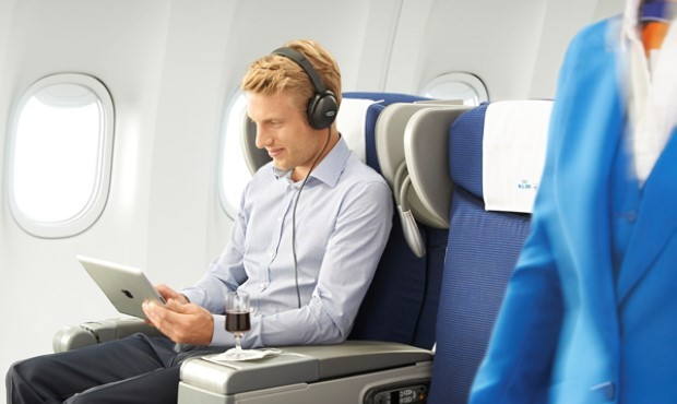 enjoy-your-ped-on-flights-from-air-france-and-klmin-airplane-mode-620x413