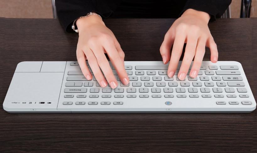 jaasta-e-ink-keyboard-mouse-designboom-10
