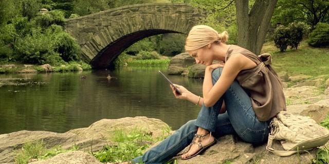 p_Kindle_Lifestyle_P2_Park-640x320