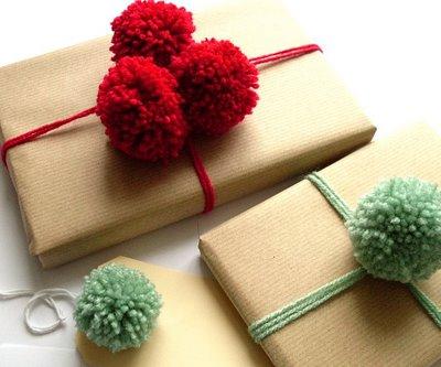 pom-pom-yarn-embellishments