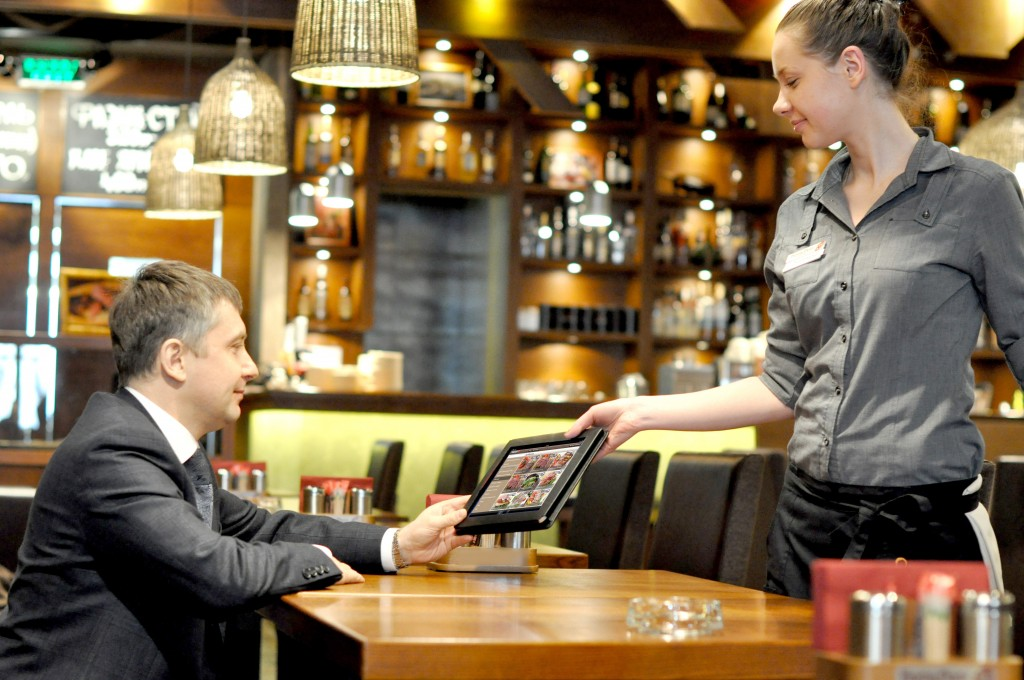 The Restaurant Industry Is Embracing Tablets In A Big Way