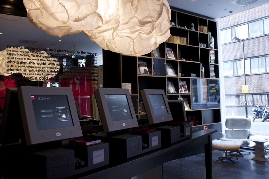 this-is-the-checkin-desk-at-citizenm-hotel-in-bankside-london